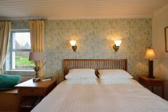Bluebanks(C) Bed One 16
